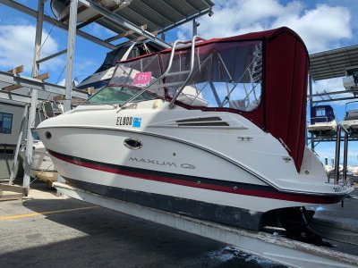 Maxum 2700 SE Low hours and a 2009, Big volume boat