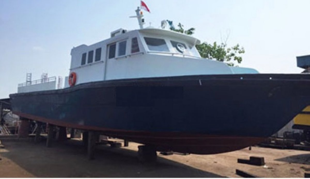 22m GRP Crew Boat