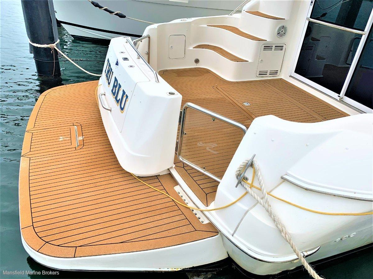 Sea Ray 400 Sedan Bridge Extended Back Deck