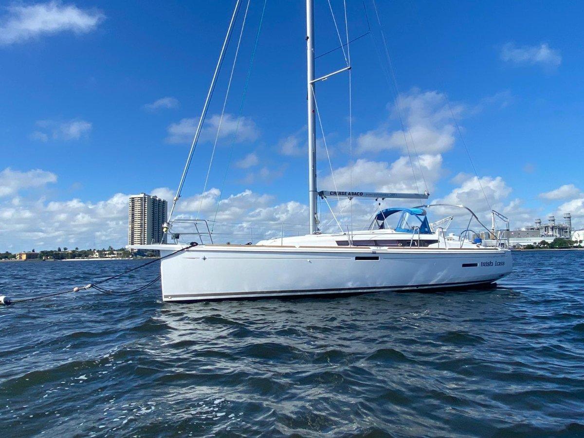 Jeanneau Sun Odyssey 389 - ready to sail away!
