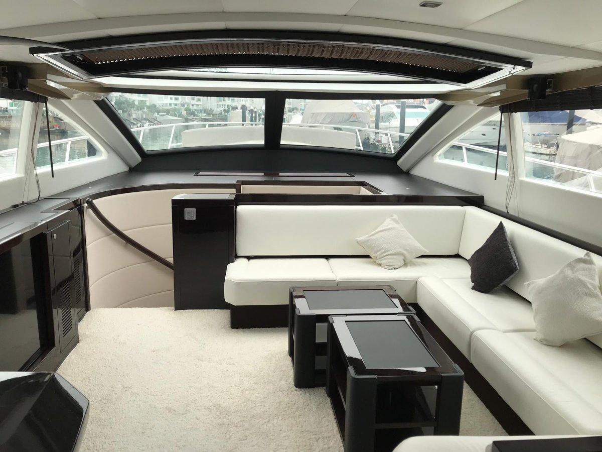 Grand Harbour 68 Motor Yacht Built in 2015 / Taiwan, new modern design