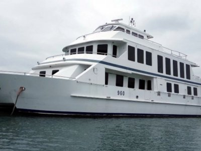 Spacious 5 Cabin 33m Power Catamaran