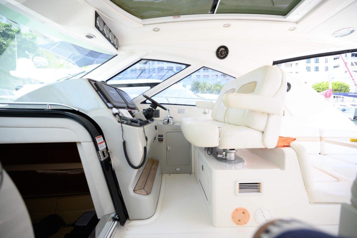 Sea Ray 470 Cabin Cruiser