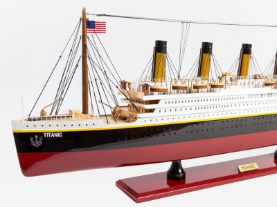 RMS TITANIC HAND MADE REPLICA MODEL BOATS