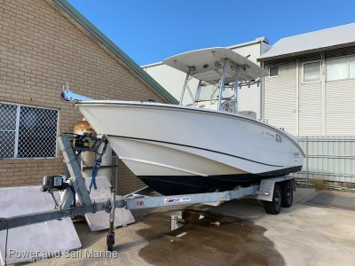 Boston Whaler 240 Outrage A well loved thoroughbred- Click for more info...