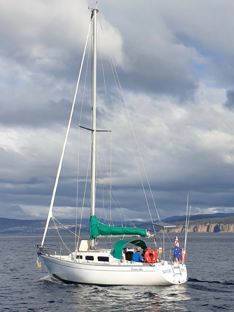 Van De Stadt Pion 30 EXCELLENT CONDITION WITH AS NEW ENGINE AND RIGGING