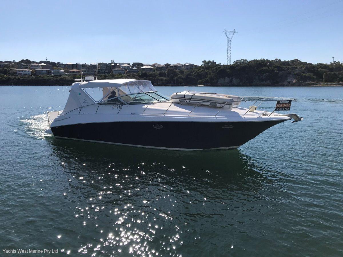 Riviera M370 Sports Cruiser:RIVIERA M370 by YACHTS WEST MARINE