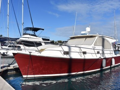 Mainship 340 Pilot Sedan - in remarkable condition and presentation.