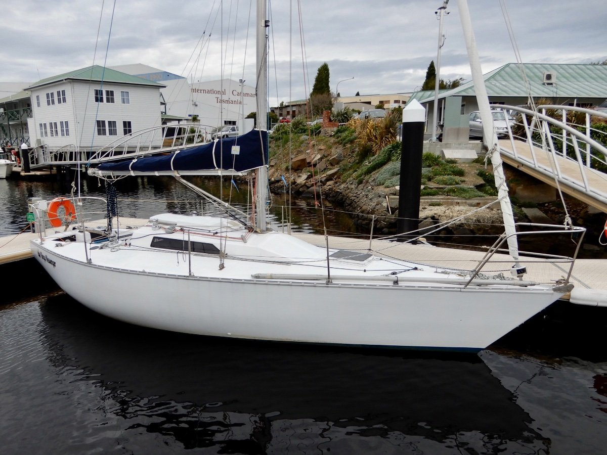 Holland 30 VERY WELL PRESENTED COMPETITIVE CRUISER/RACER