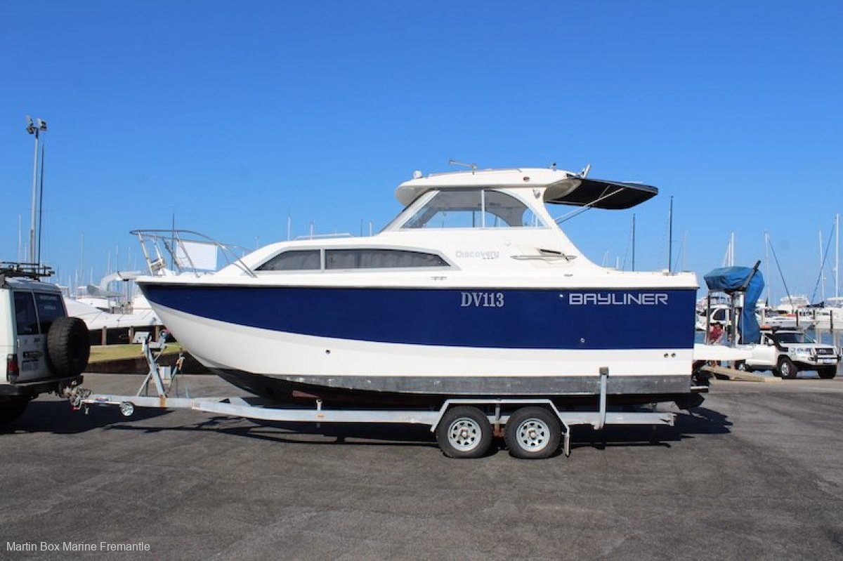 Bayliner 246 Discovery WITH BOW THRUSTER