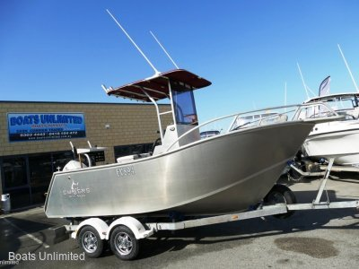 Chivers 550 Centre Console OFFSHORE FISHING RIG FOR SOFT RIDE