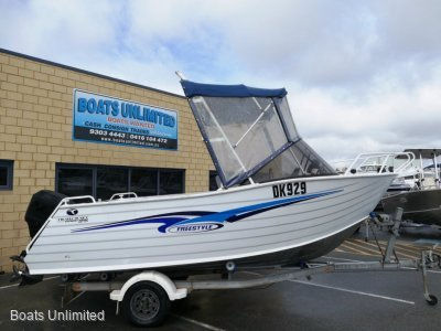 Trailcraft 510 runabout FAMILY FISHING BOAT FOR SALE