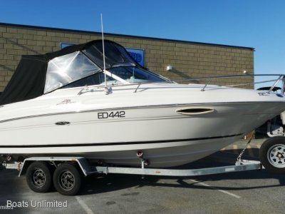 Sea Ray 215 Express Cruiser VERY COMFORTABLE GREAT LAYOUT BOAT FOR SALE