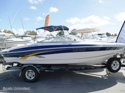 Four Winns 210 Bow Rider SUMMER CRUISING FUN- Click for more info...