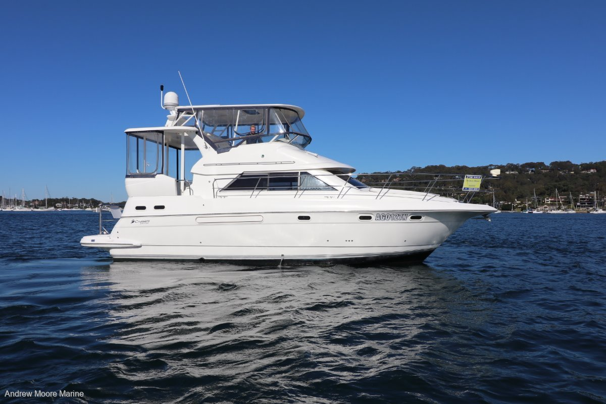 Cruisers Yachts 3750 Aft Cabin