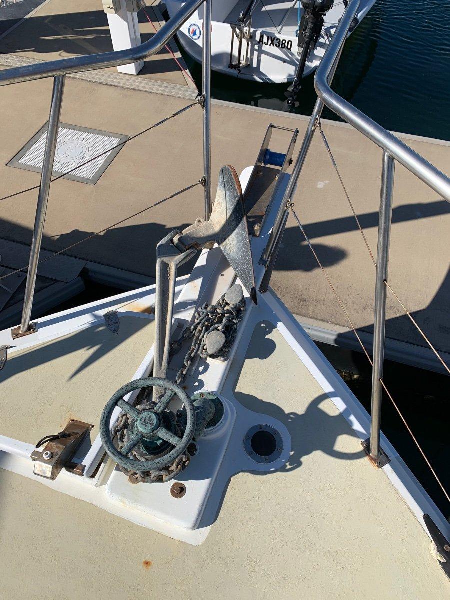 Command Craft 31 Flybridge Cruiser
