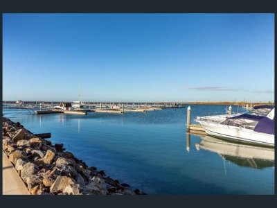 Wyndham Harbour Werribee South
