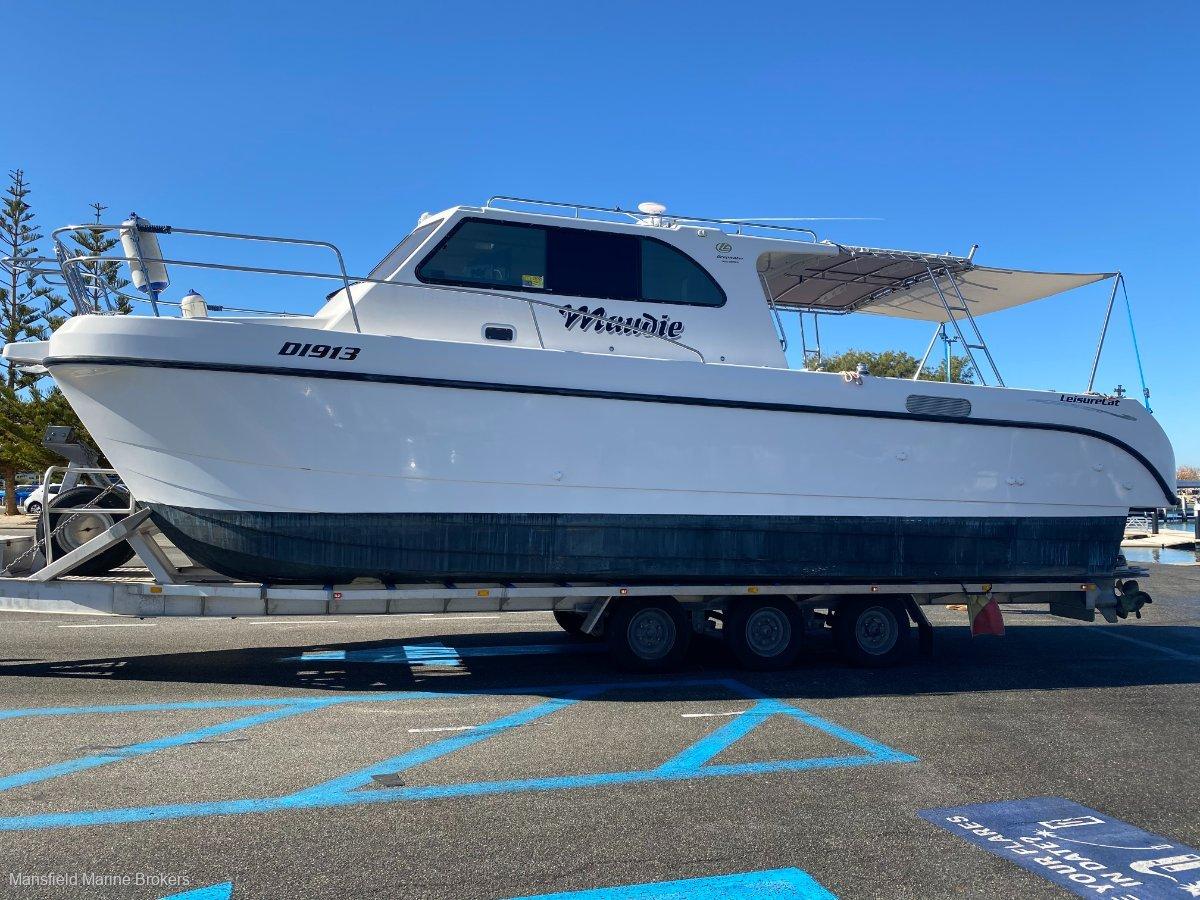 Leisurecat 3500 Deepwater:OPTIONAL trailer