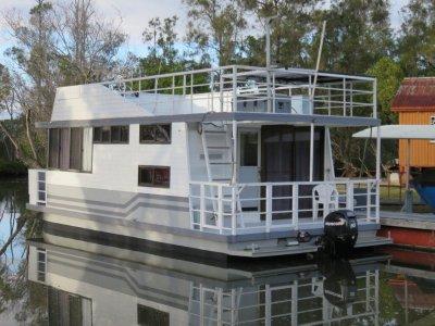 Broadwater Craft Homecruiser