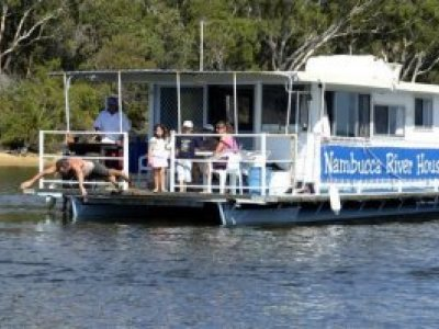 Custom Houseboat 37'