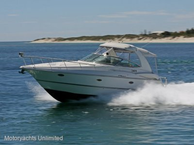 Cruisers Yachts 370 Express **** Shaft drive diesel power ****