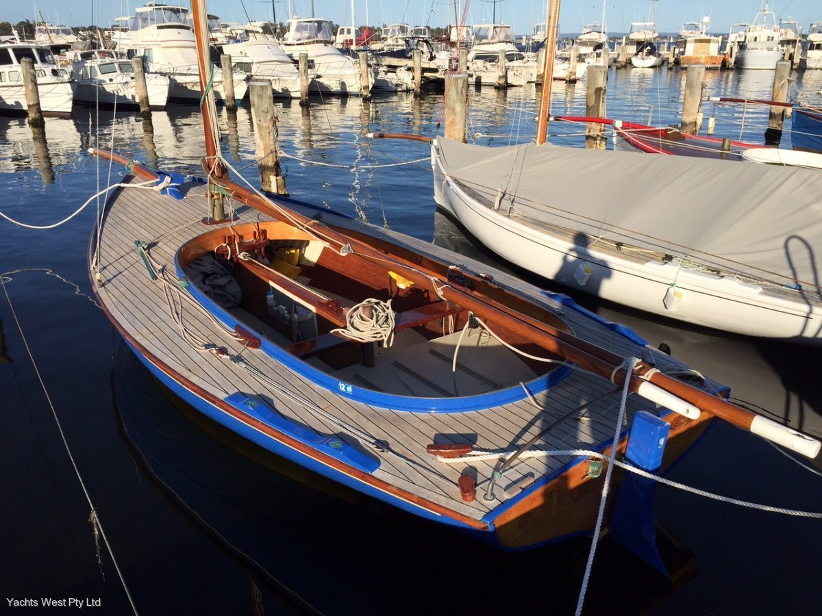 Couta Boat 26 (HUGE REDUCTION)