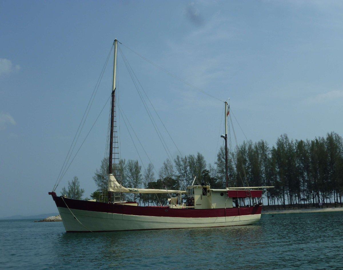 Beneteau 65' classic wooden boat