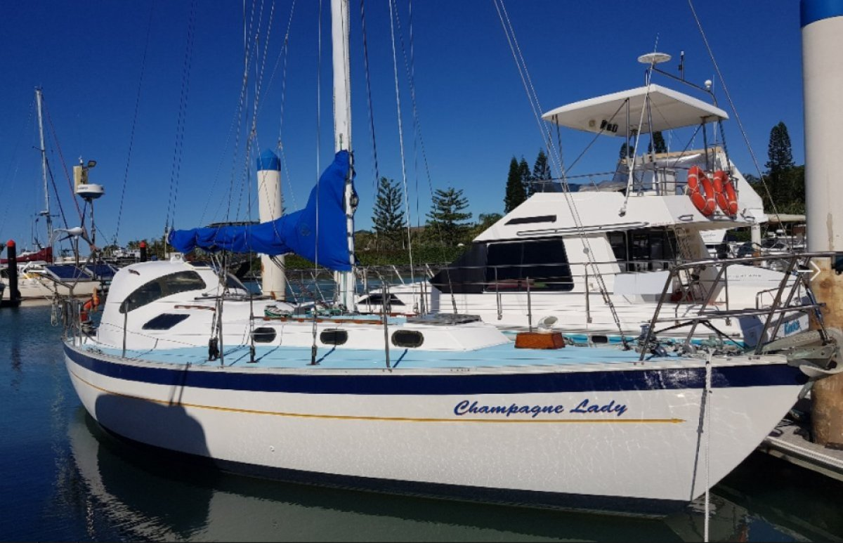 Swanson 36 Champagne Lady. Time to sell my liveaboard.