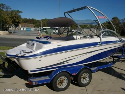 Tahoe Q6 2009 model bow rider 156 hours only