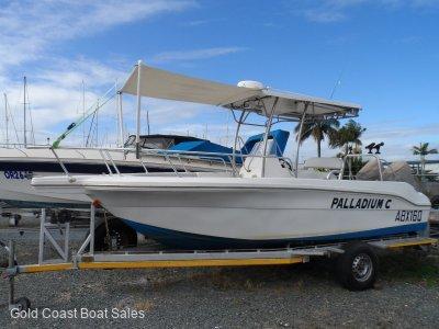 Twin Boats 2400 Centre Console