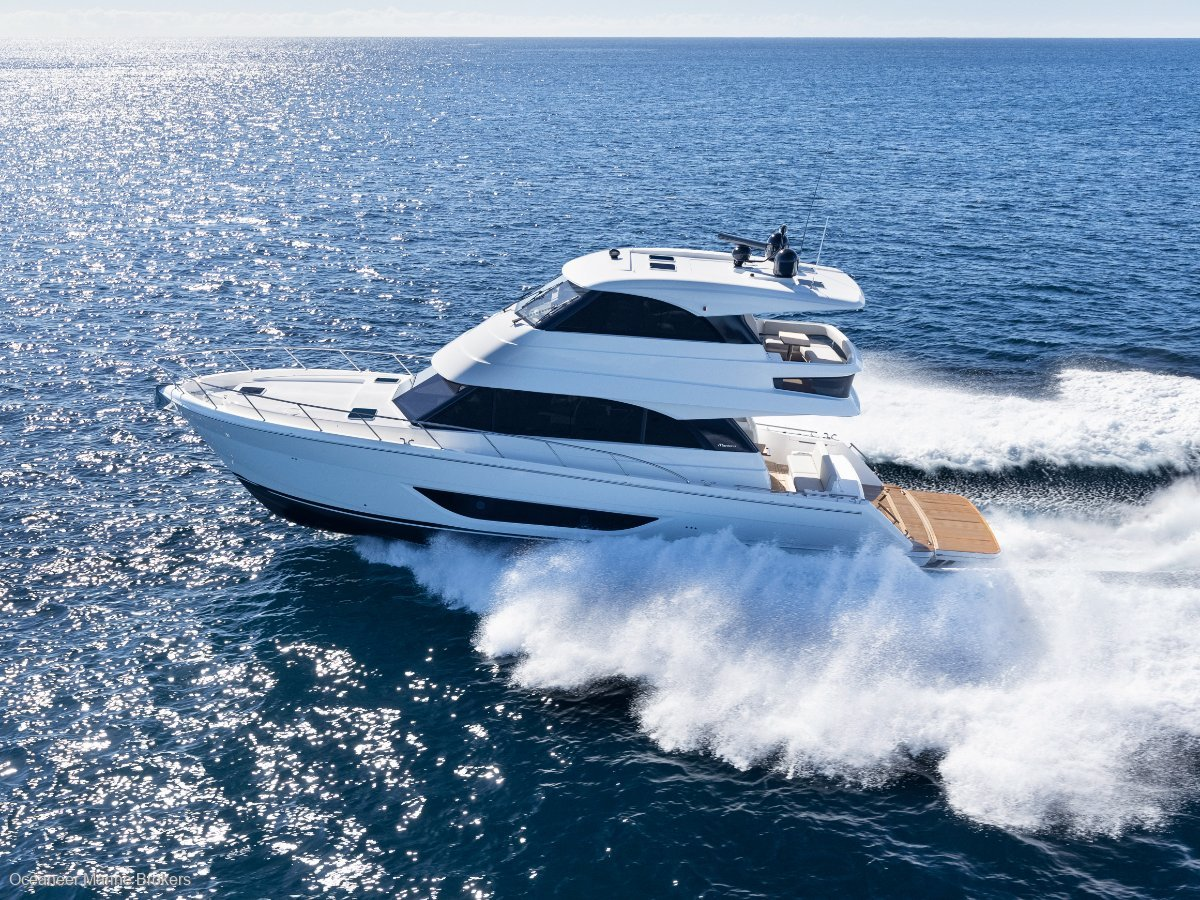 Maritimo M55 Cruising Motoryacht:M55 - The Offshore Cruising Specialist
