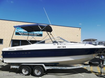 Bayliner 215 Sportscuddy Deluxe FISHING // FAMILY // ALL ROUNDER