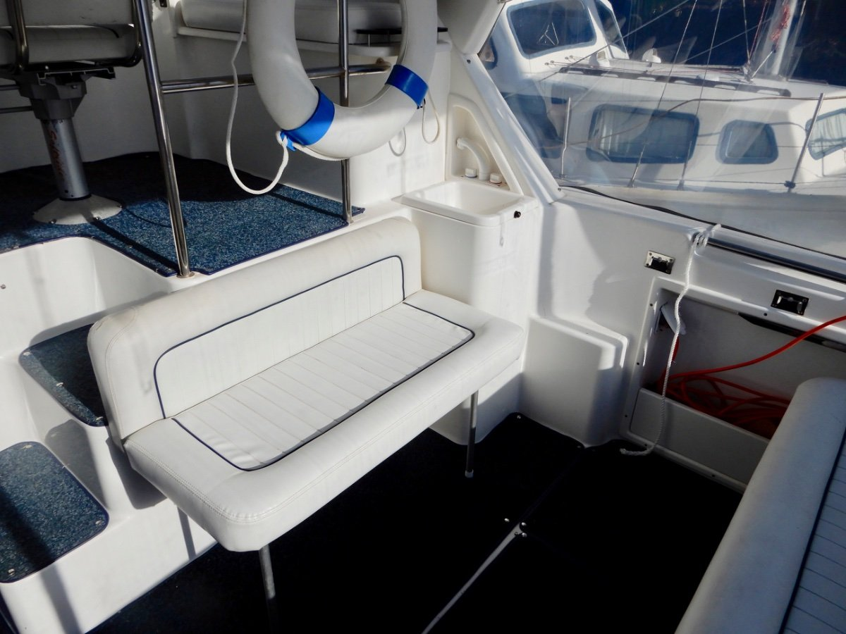 Seaquest 2800 Sportsman Flybridge Cruiser MAJOR PRICE REDUCTION, OWNER WANTS SOLD