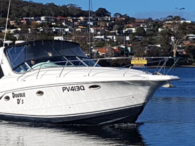 Silverton 310 Express Powerful wide bodied Sports Cruiser.
