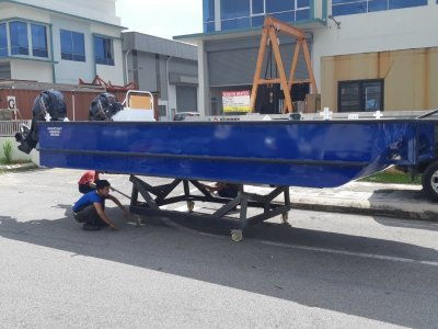 Sabrecraft Marine WB5900 Workboat Punt Work Boat Barge