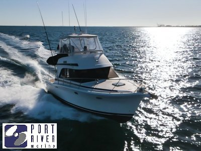 Riviera 33 Flybridge | Port River Marine Services