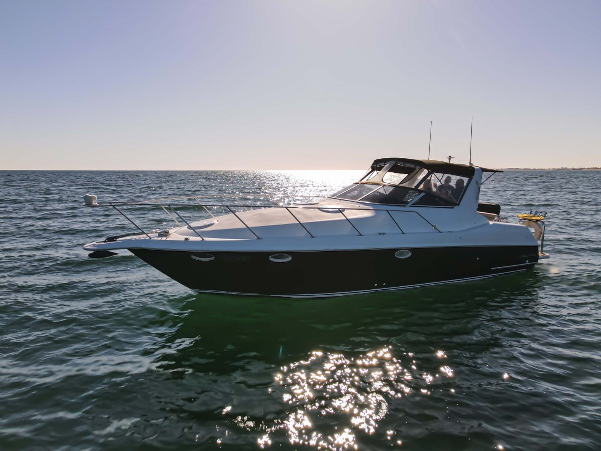 Chris Craft Crowne 34