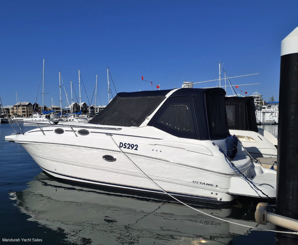 Mustang 32 Sports Cruiser ** BEAUTIFUL BOATING 2008 MODEL ** UNDER OFFER **