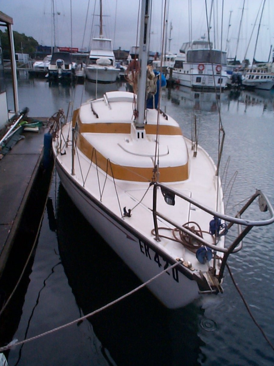 Pacific 27:Foredeck