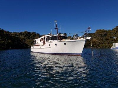 Smiths Boats 47 Bay Cruiser Sedan