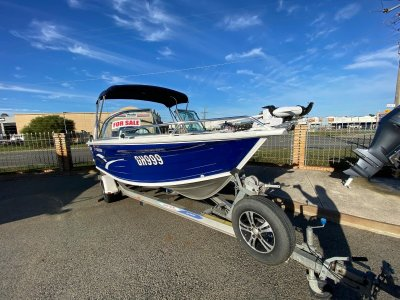 Quintrex 490 Freedom Sport - Yamaha F80AET 4 Stroke - Low Hours