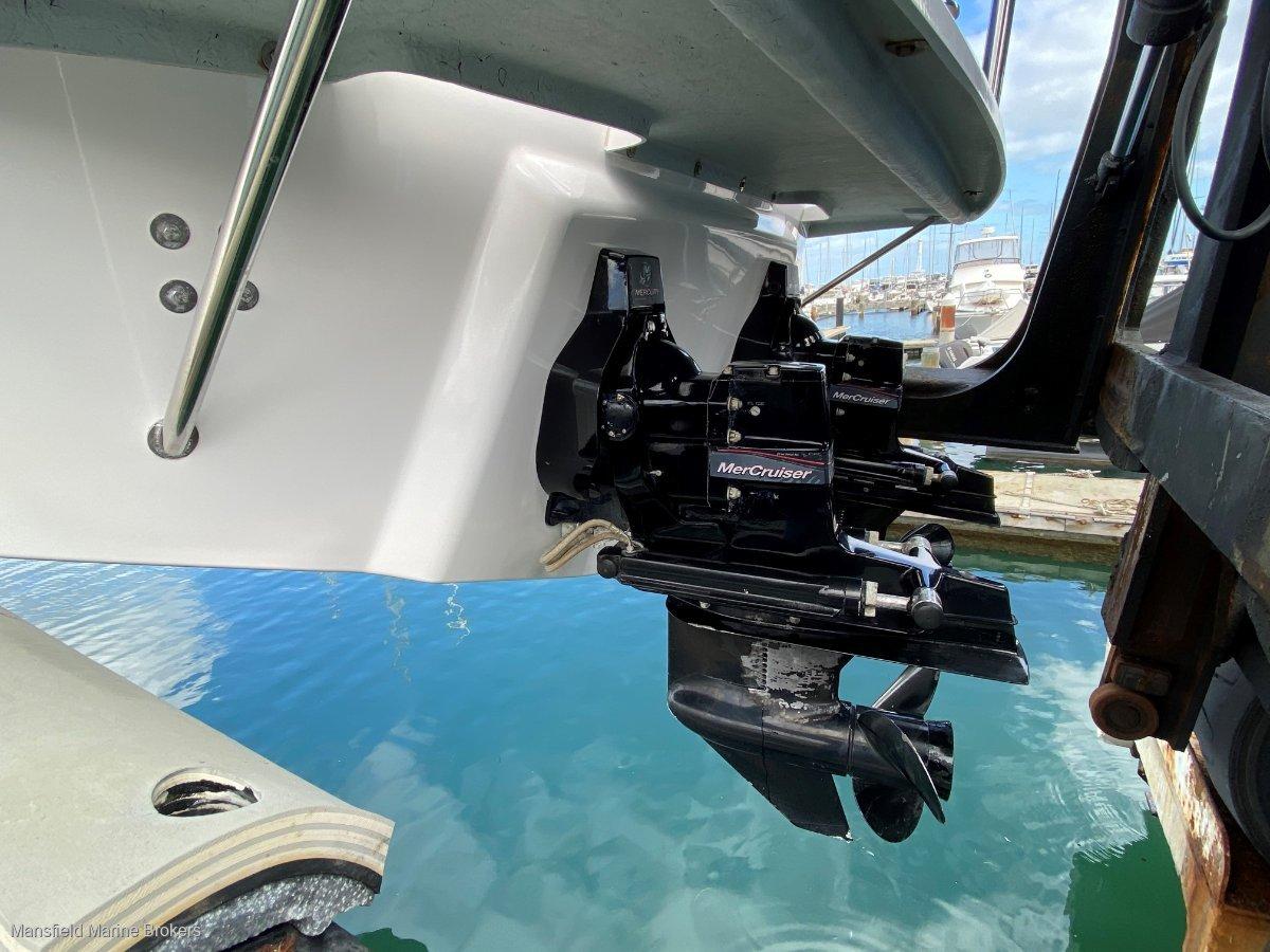 Caribbean 27 Flybridge Sports Fisherman