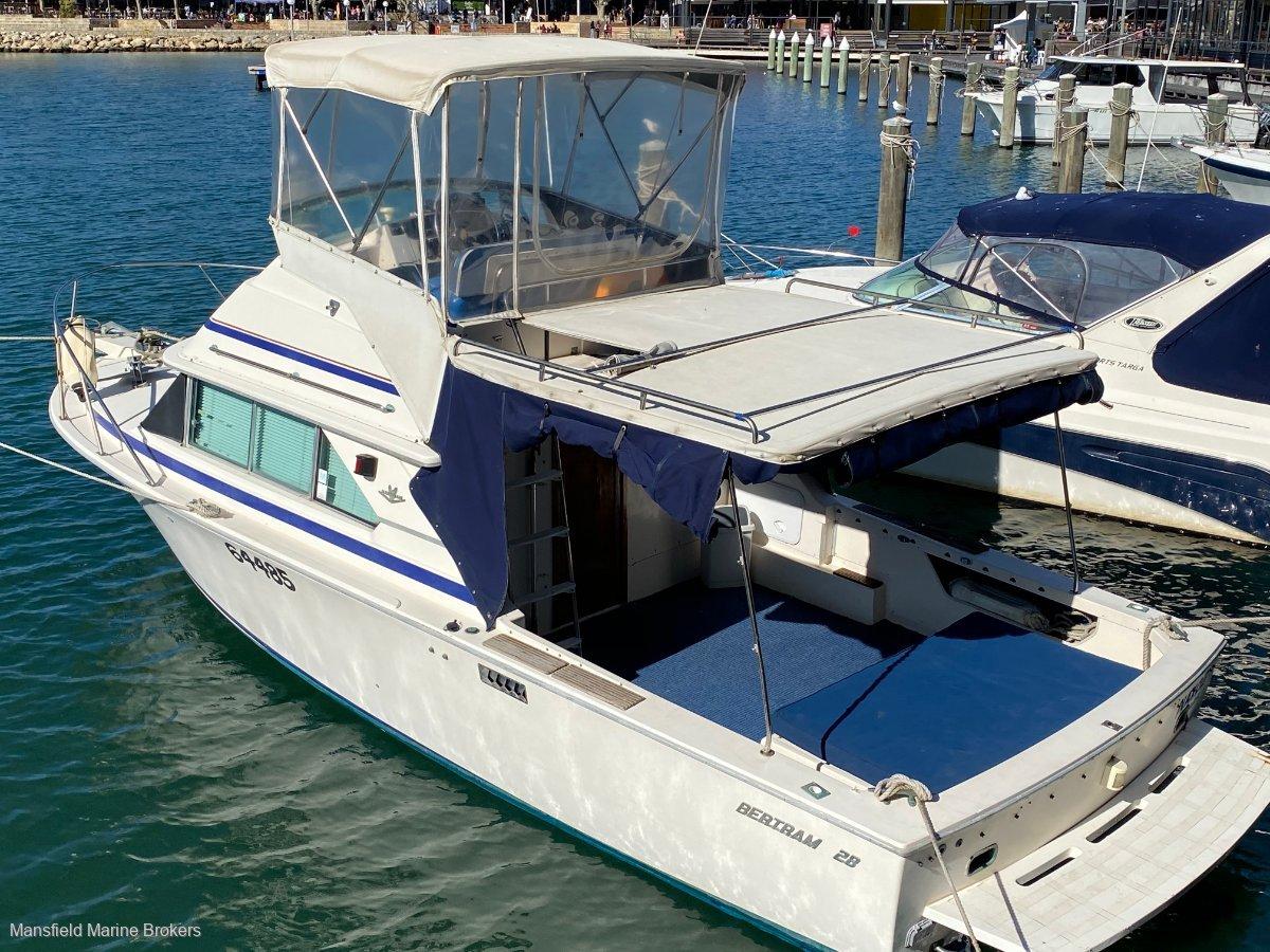 Bertram Caribbean 28 Flybridge