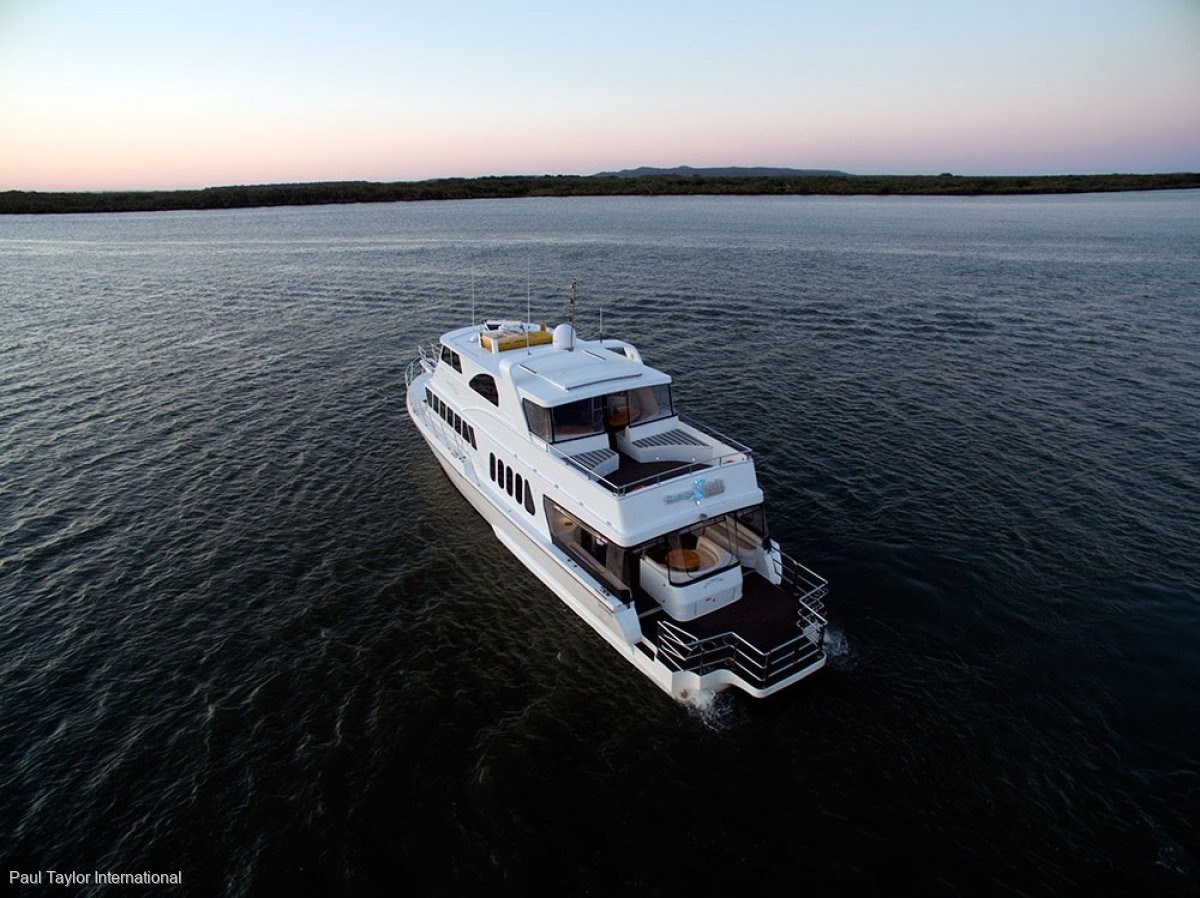 Conquest 76' in Commercial Survey