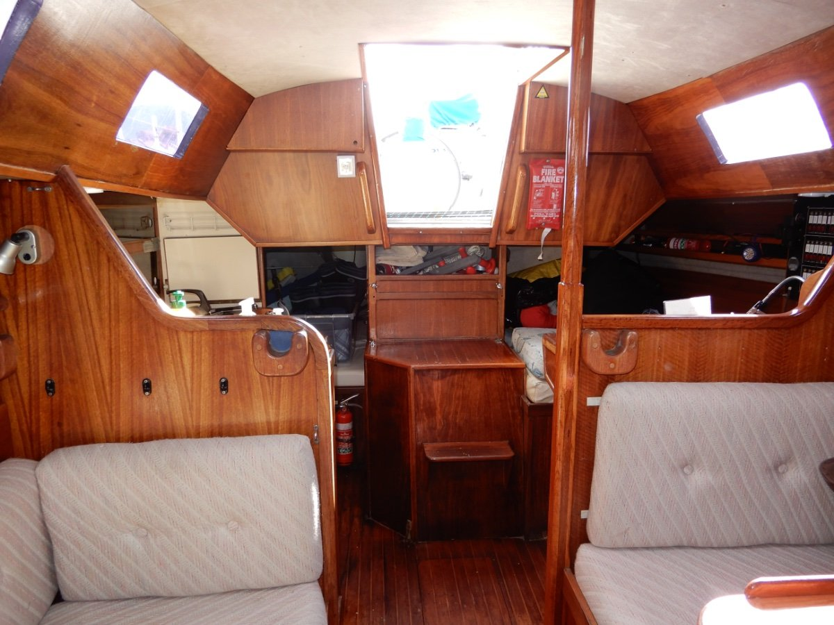 Ufo 34 OFFSHORE CRUISER, EXCELLENT CONDITION, MUST SELL!