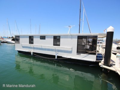 **HOUSE BOAT- AS NEW ** BOSS BOATS **$159,900**
