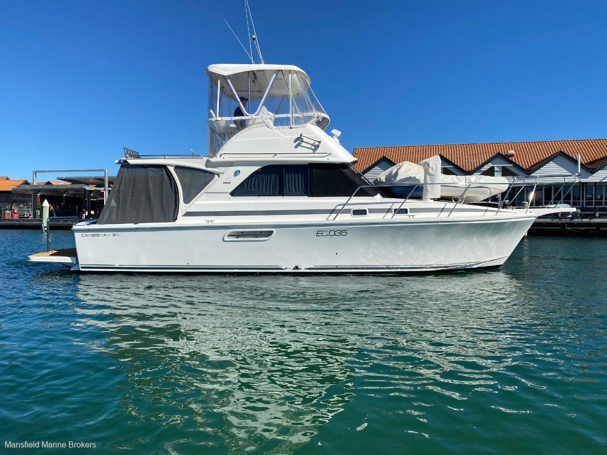 Caribbean 35 Flybridge Cruiser:Just the right options....
