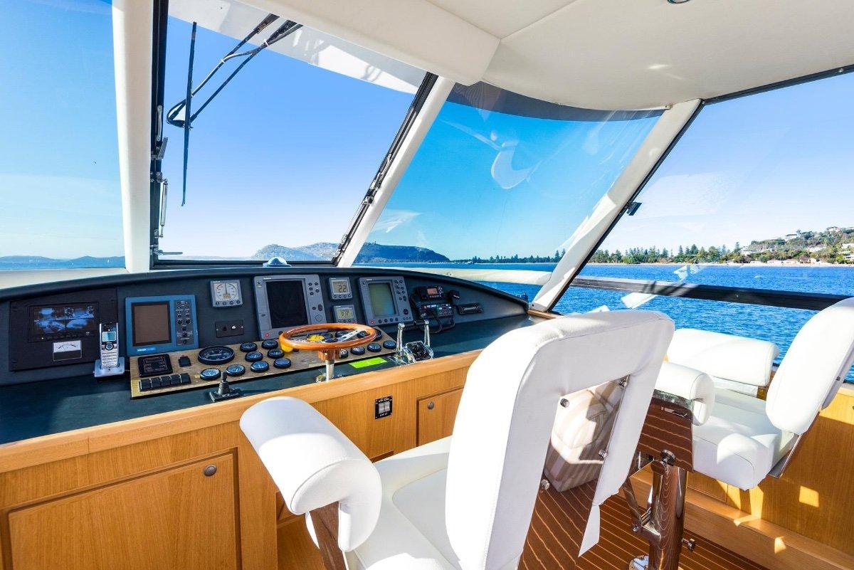 Cresta 65 Flybridge