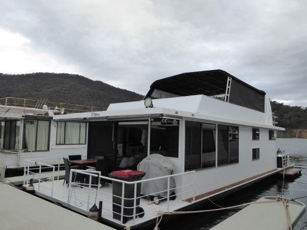 Houseboat Holiday Home on Lake Eildon, Vic.:K-Sera on Lake Eildon