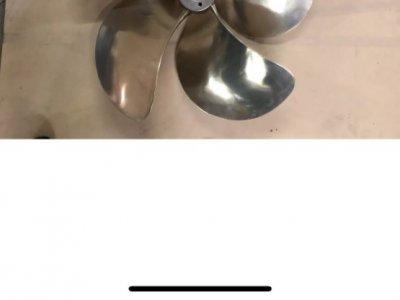 48 Riviera propellers